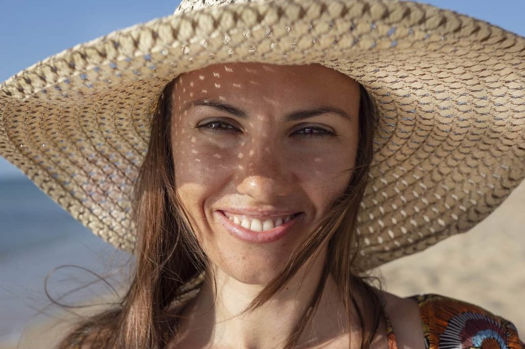 Wrinkle free woman with sun hat